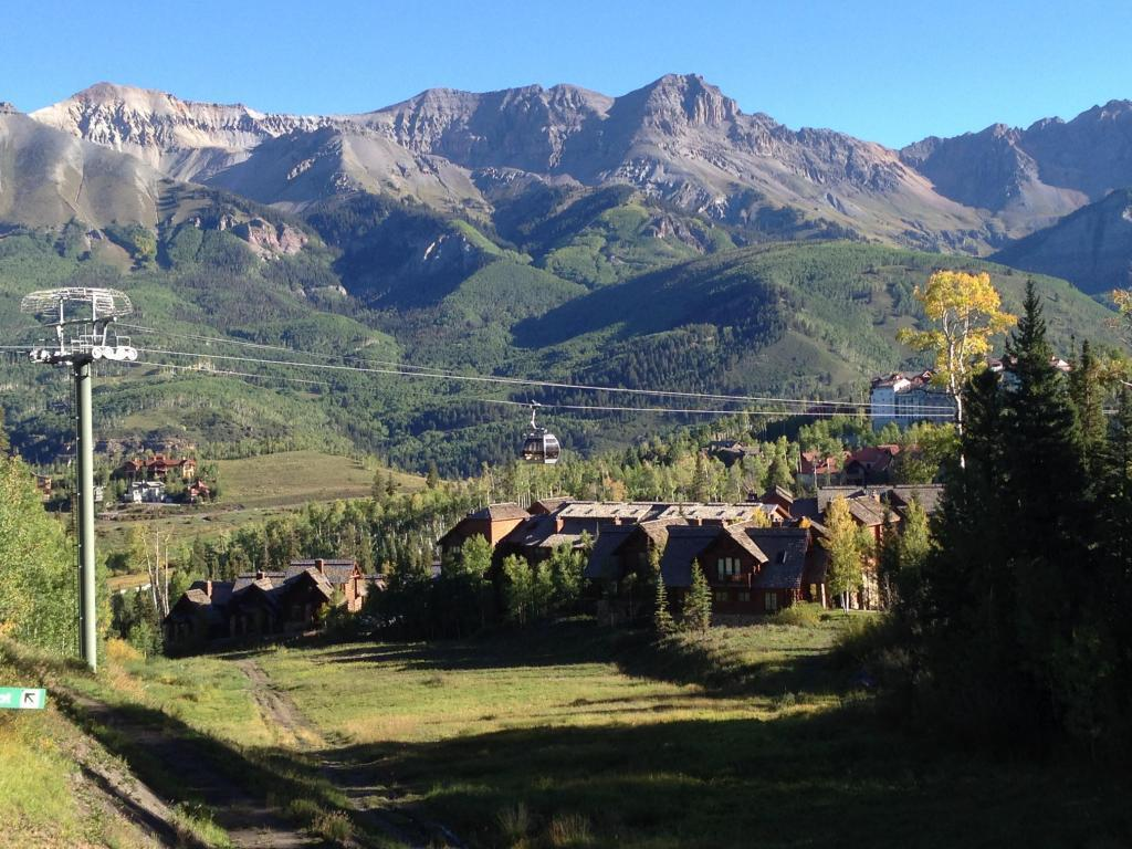 Dating in mountain village colorado